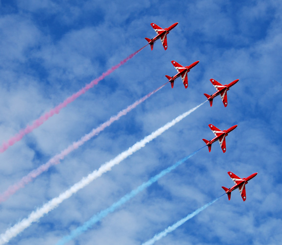 Win a day with the Red Arrows by supporting Lincs & Notts Air Ambulance