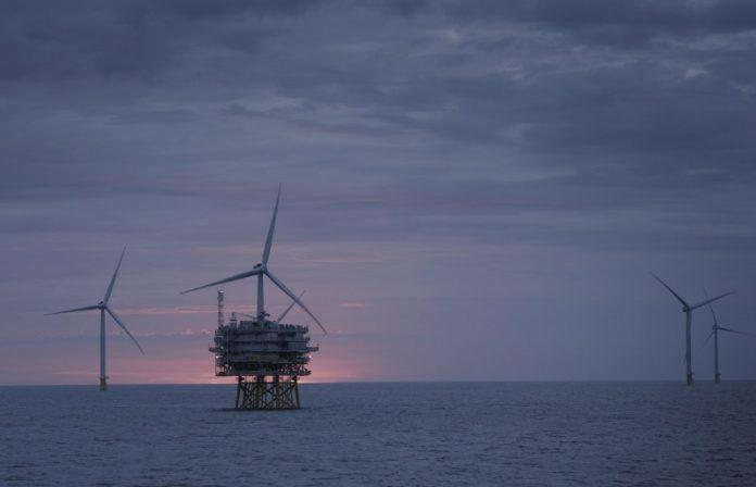 Wind farm off Lincs coast achieves full power
