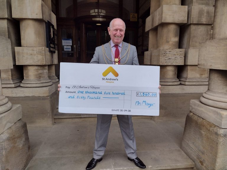 Mayor's skydive raises more than £1,500 for St Andrew's Hospice